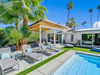 Palm Springs Holiday Villa 27450