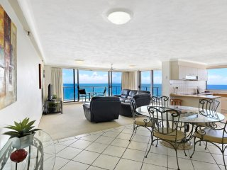 32nd level, Stunning Ocean Views From Every Room!, Surfers Paradise