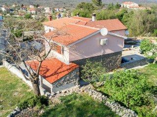 10901 Nice stone holiday house