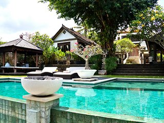Modern Elegance Luxury 3 Bedroom Villa, Near Seminyak