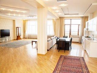 Short Term Holliday Rental Apartment, Baku, Azerbaijan.