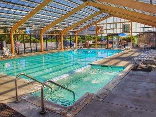 Oceanfront complex with outdoor pool & waterslide!