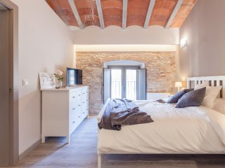 Sleep & Stay- Luxury top floor apt Bonaventura 5, Girona