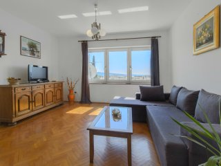 *BEST BUY* A2- Spacious apartment with balcony and sea view, Kastel Gomilica