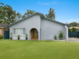 'Hawks Nest Holiday Home Close to Myall'