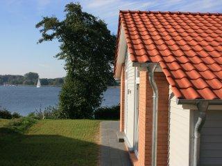 Ferienhaus Marina Hülsen - Das Weidenuferhaus, Rieseby