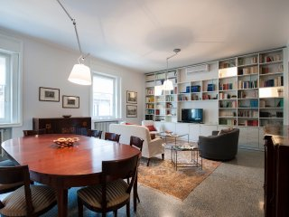 Prestigious 2bdr in the heart of Milan, close to Cordusio