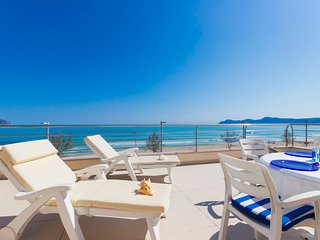172 apartment directly on Can Picafort beach
