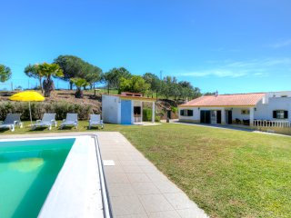 V5 Mimosa - 5 bedroom villa with private pool and garden