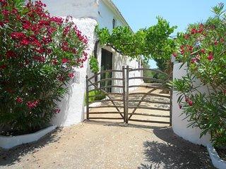 Casa de campo, 2 dormitorios y piscina privada, WiFi gratis