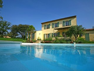 St Endreol 4-bedroom villa with private pool