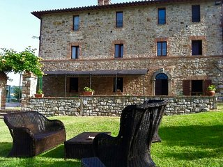 CAMPO AL VENTO CountryFarm - Delightful Apartment for 4/5 in the verdant Umbria