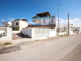 371 House at 200m. from the Sea in Torre Mozza