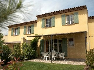 St Endreol 3 bedroom town house with shared indoor and 2 outdoor pools