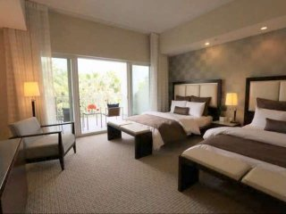 Luxury 1/2 Deluxe Suite in the Heart of Miami -Near Airport World Class Shopping
