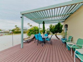Beach Home 90Ft Dock on Bay! 3Br/2Ba, Large Deck, Palms, Jetski Dock