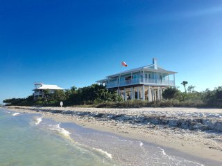 'SEA URCHINS' *****Brand New Beachfront with Beachside Pool & Private Boat Dock