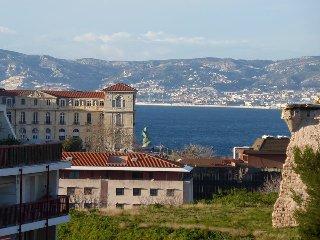 Studio meublé AGACHADOU + 36m2 en 3 terrasses et vues panoramiques sur Marseille