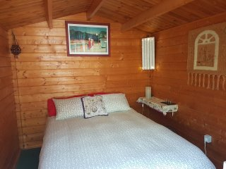 LOG CABIN IN GARDEN CHALET ANAGATO