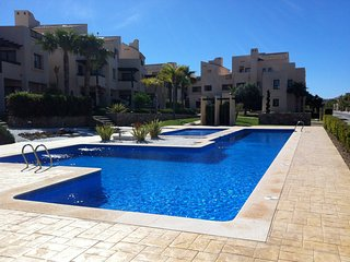 Roda Golf Ground floor apartment, 3 bedroom,2 terraces, shared pool beach nearby, San Javier