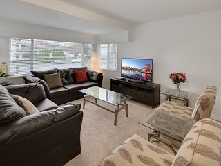 Beautiful spacious 3BR suite-Nanaimo st