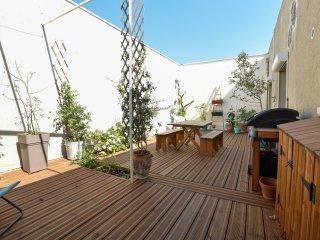 Marcat - Appart 2 cm et grande terrasse, Arles