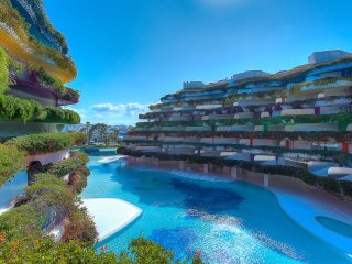 Breath taking Las Boas Apartment with stunning views to the Marina, Talamanca