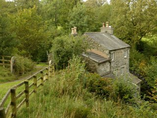 LLH27 Cottage in Outgate and T