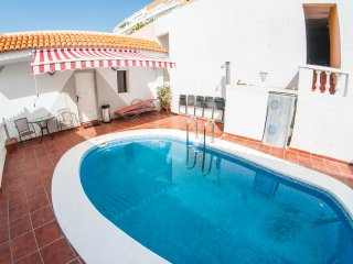 Perfect apartment with private swimming pool and gym, Playa de las Americas
