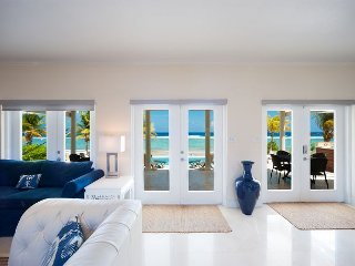 "4BR ""In Harmony,"" A Luxury Cayman Villas Property - 20% OFF SPECIAL!, Bodden Town"