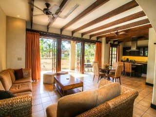 Amazing Villa in Hacienda Pinilla Walking to the Beach, Tamarindo