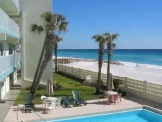 Aqua Villa 205 pet friendly beach front 2BR with views