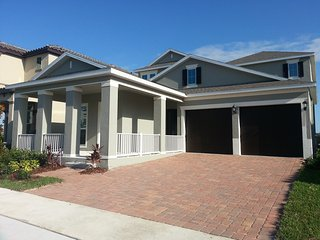 Beautiful 4Br/3Ba house in the new community (5 minutes from Disney), Orlando