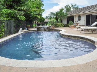 Elegant Lake side Mediterranean Pool Home-6 month Lease short term Option, Weston