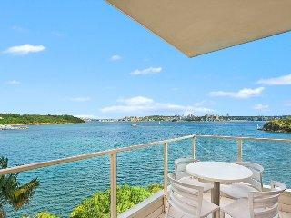 RAG05 - Waterfront Apartment, Unbelievable Views