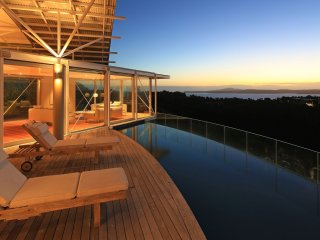 Nikau Luxury Estate, Oneroa
