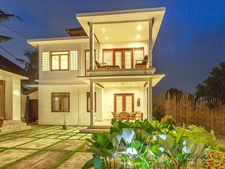 Family Villa Minutes from Ubud Center Luxury Pool Large Patio Luxury Living