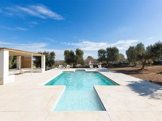801 Villa with Pool and Historical Trullo in Carovigno
