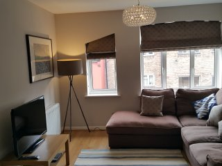 Bright Sunny Holiday apartment in Wapping (Zone 1/2 border)