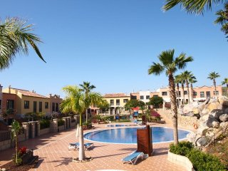 Holiday townhouse  with shared pool near Playa del Duque