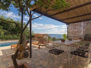New! Charming holiday home in Makarska Riviera!! Value 4 Money!!