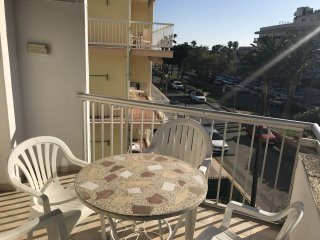 132-REGUERAL Apartment 50m from the beach of Cambrils