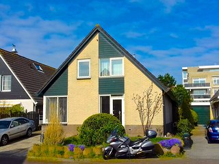 Comfortable House with Garden and Parking - 40 km south-west from Amsterdam, Leiderdorp