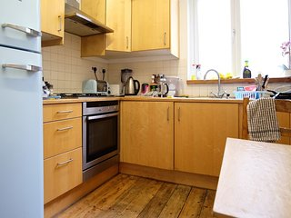 AMAZING ROOM IN THE FAMOUS WEST HAMPSTEAD AREA          ref:sarrgreen, London