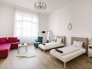Downtown Classic II apartment in V Belváros {#has…, Budapest