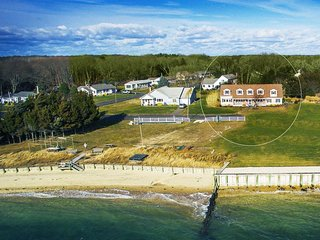 Beach Front, spacious 5 Bedrooms, North Fork, Long Island
