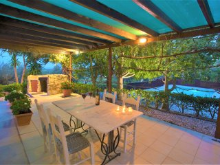 Charming sea view villa with pool & olive grove - disCRETE VILLA Maroulas