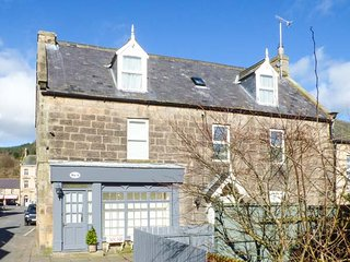 BRIDGE VIEW HOUSE, apartment set over first and second floors, WiFi, close to, Rothbury