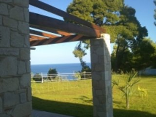 luxury house by the sea, vacation rental in Kassandrino
