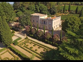 OUTSTANDING LANGUEDOC MANSION WITH XVIIIth CENTURY GARDENS, Clermont l'Herault
